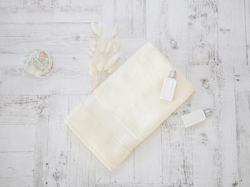 Махровое полотенце подарочное 50х90 кремовое в коробке УНДИНА