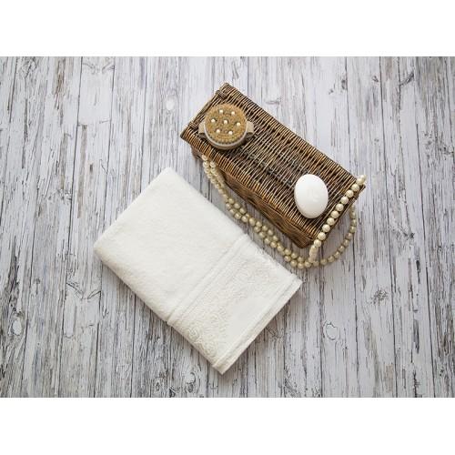 Купить Махровое полотенце подарочное 70х140 молочное ФРАНСУА  по цене от 1 040 Р. с доставкой